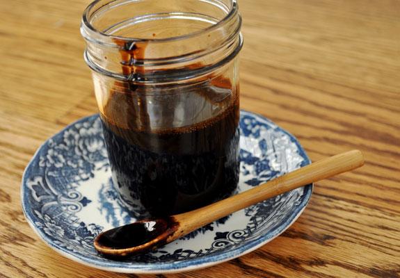 Come fare la glassa di aceto balsamico