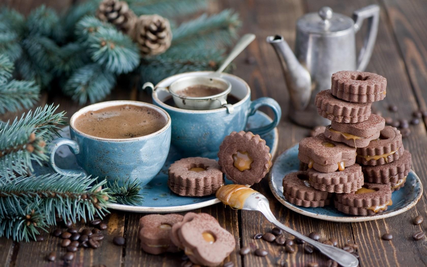 7021820 cookies chocolate dessert coffee cups branch spruce pine cones winter 1