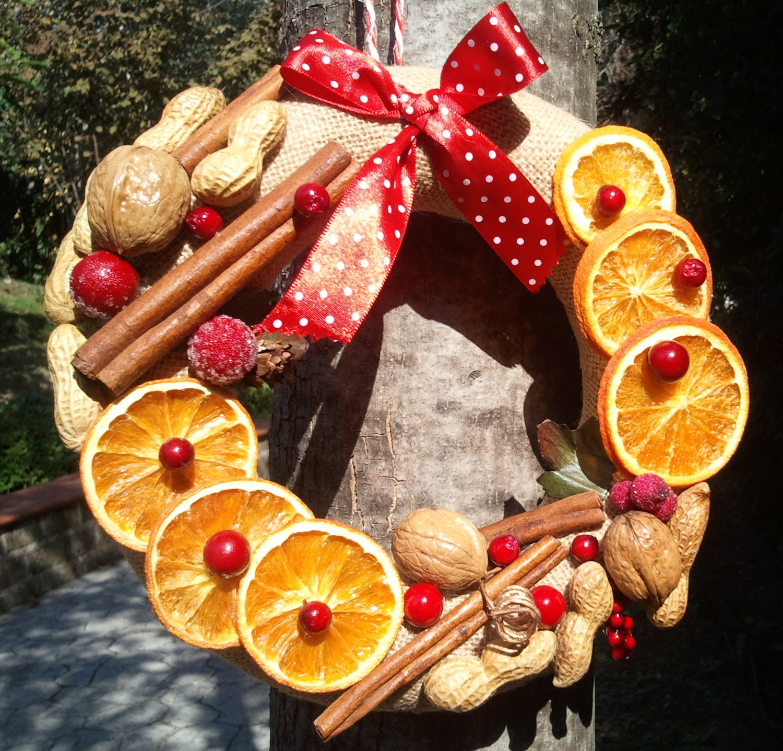 Decorazioni Natalizie Con Frutta Secca.Ghirlanda Natalizia Con Frutta 5 Idee Food Blog
