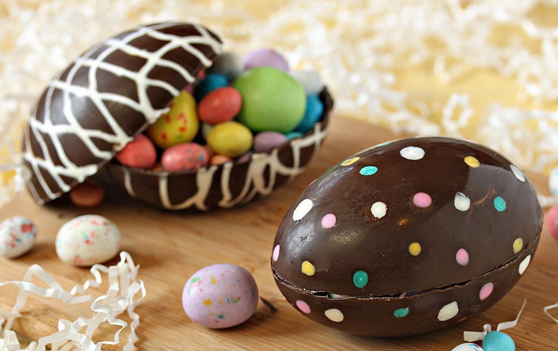 hollow chocolate egg 1500 58ae04215f9b58a3c91321e6 1