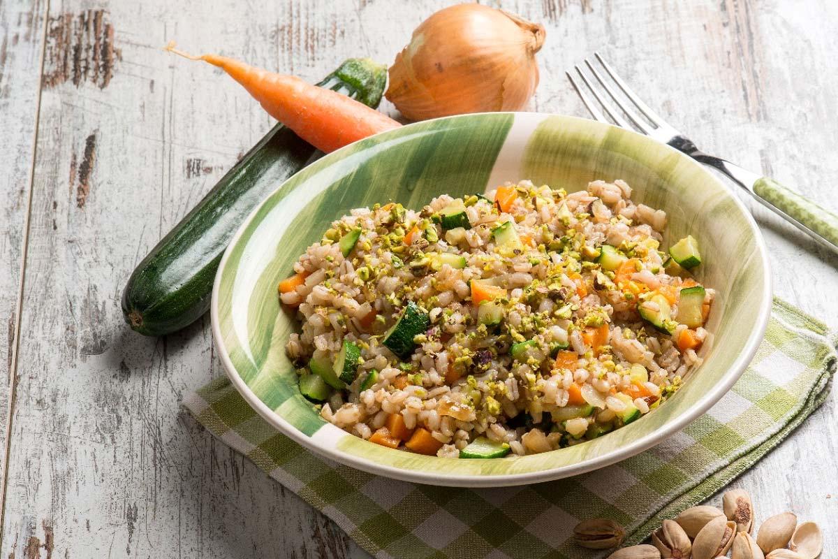 insalata di farro vegetariana