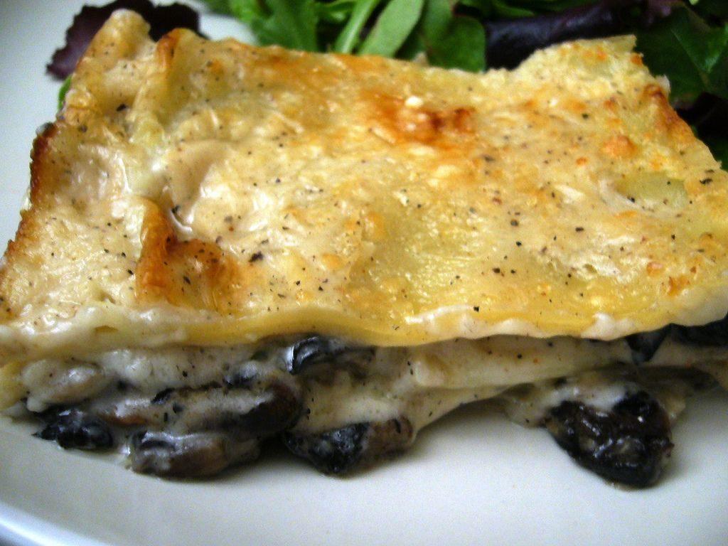 lasagne ai funghi con crema di patate al taleggio 1024x768