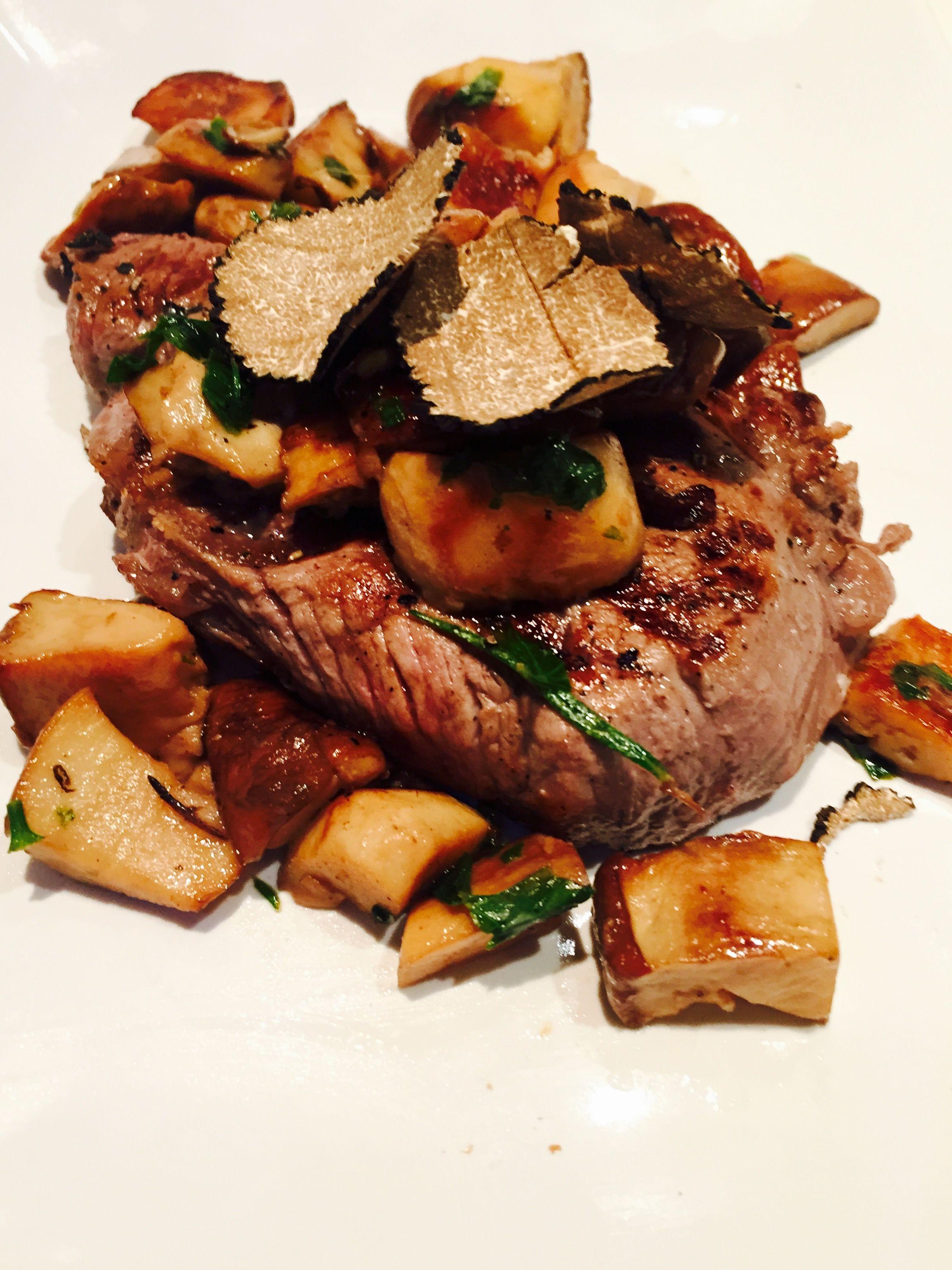 Filetto di manzo con funghi porcini e tartufo