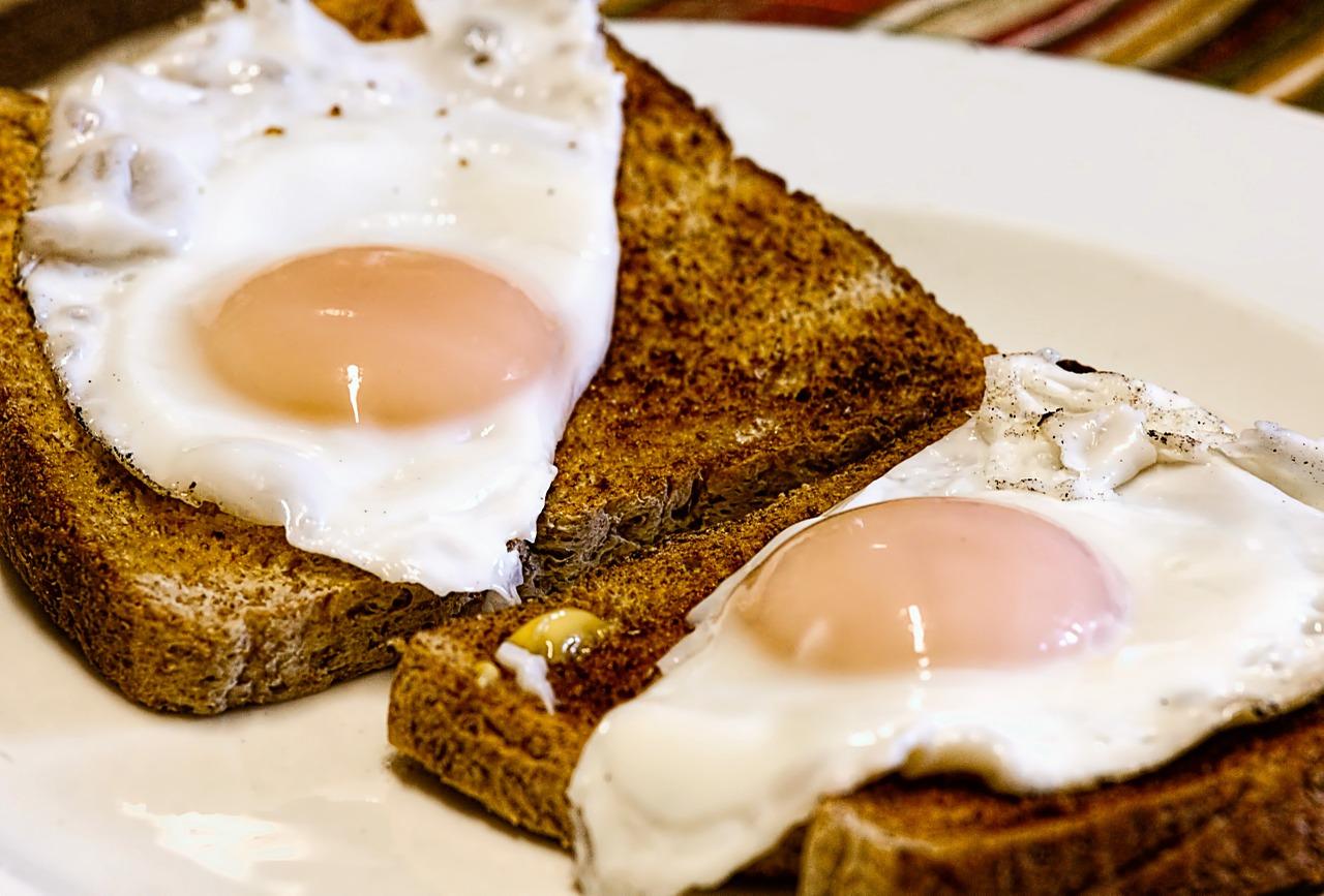 Come fare uovo all'occhio di bue perfetto: consigli