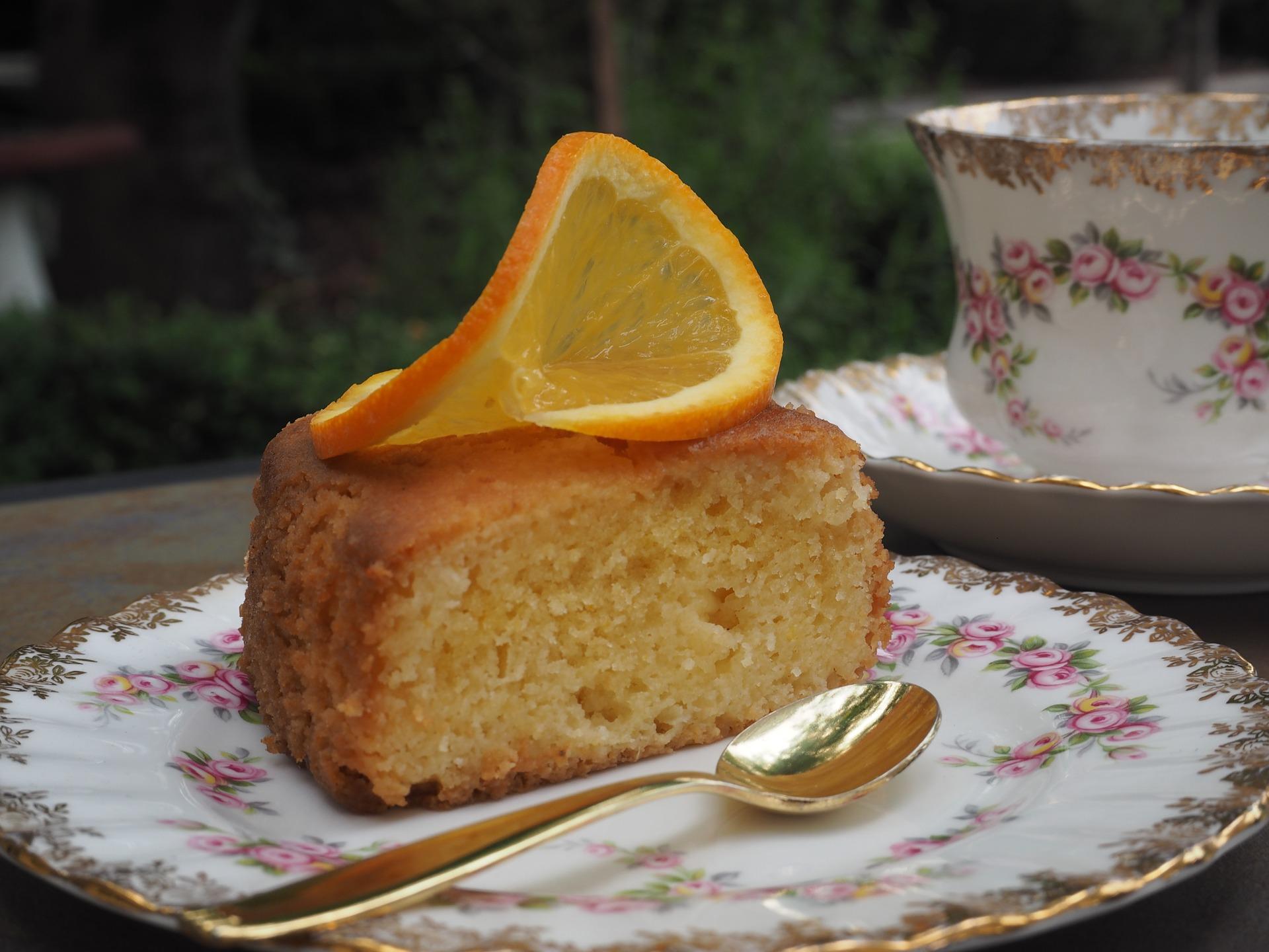 Torta all'arancia senza uova e burro con yogurt