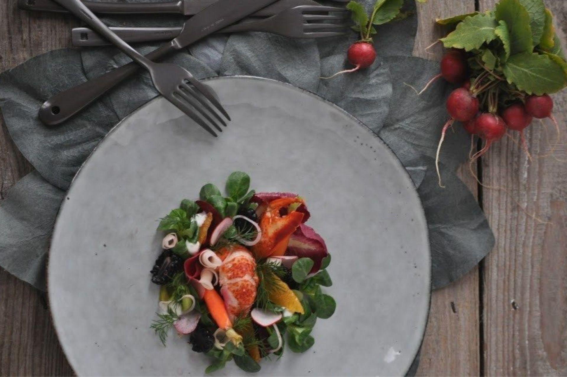Astice alla catalana con frutta e verdura