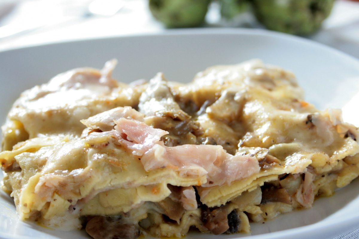 lasagne funghi prosciutto besciamella mais