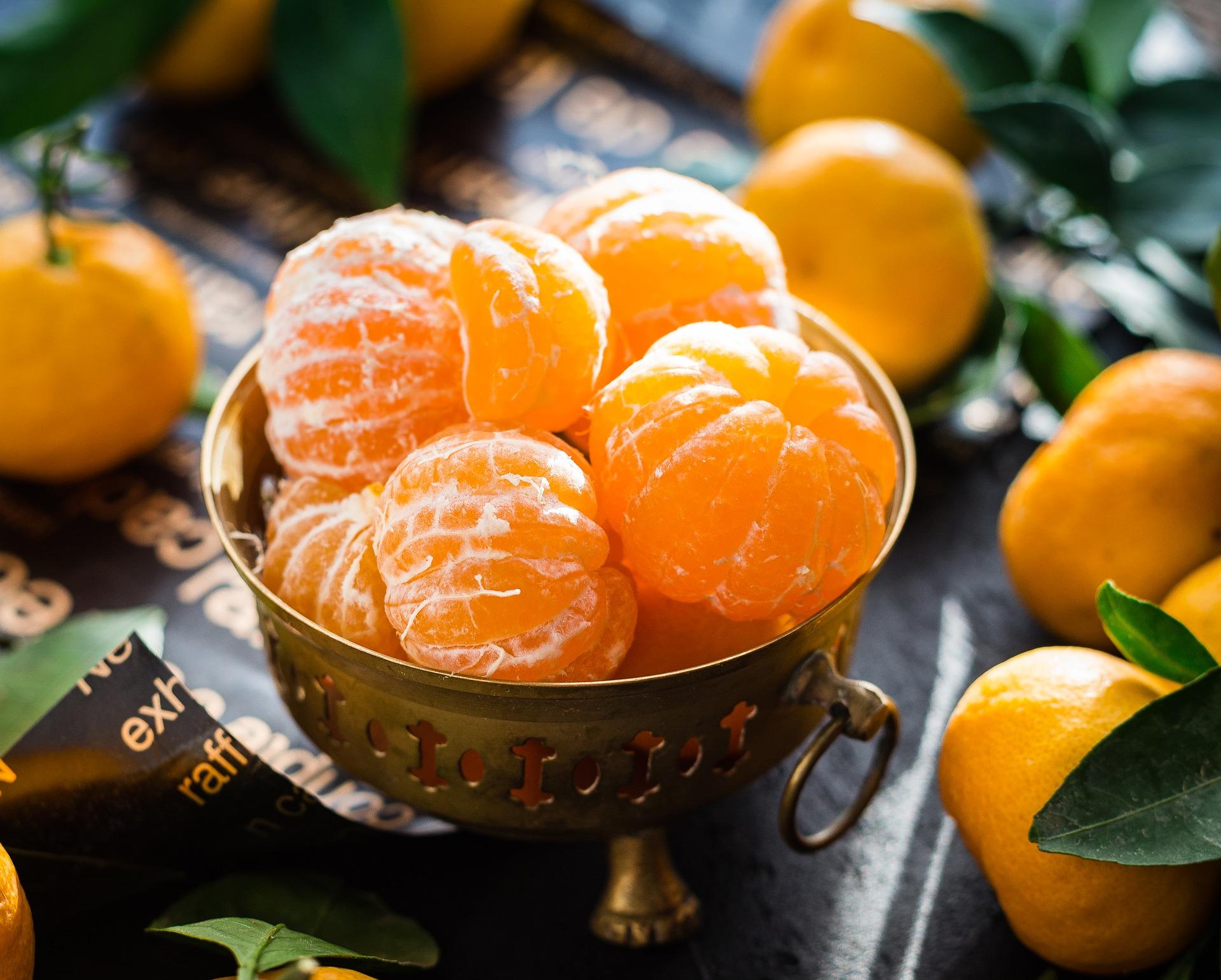 Mandarini ripieni di crema al mandarino