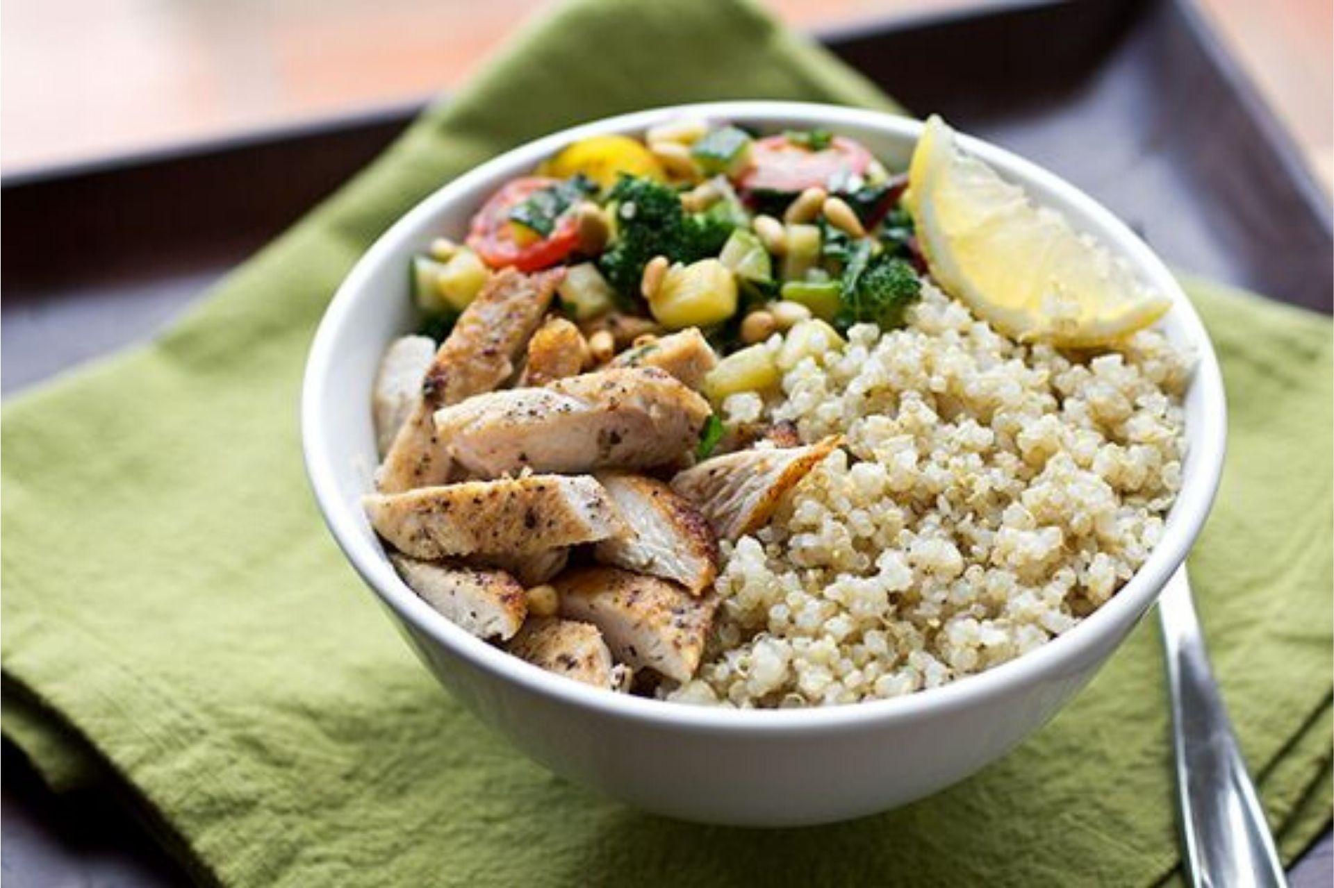 Ricette Con Quinoa Pollo E Verdure.Ricetta Della Quinoa Con Pollo E Verdure Un Mix Energetico Food Blog
