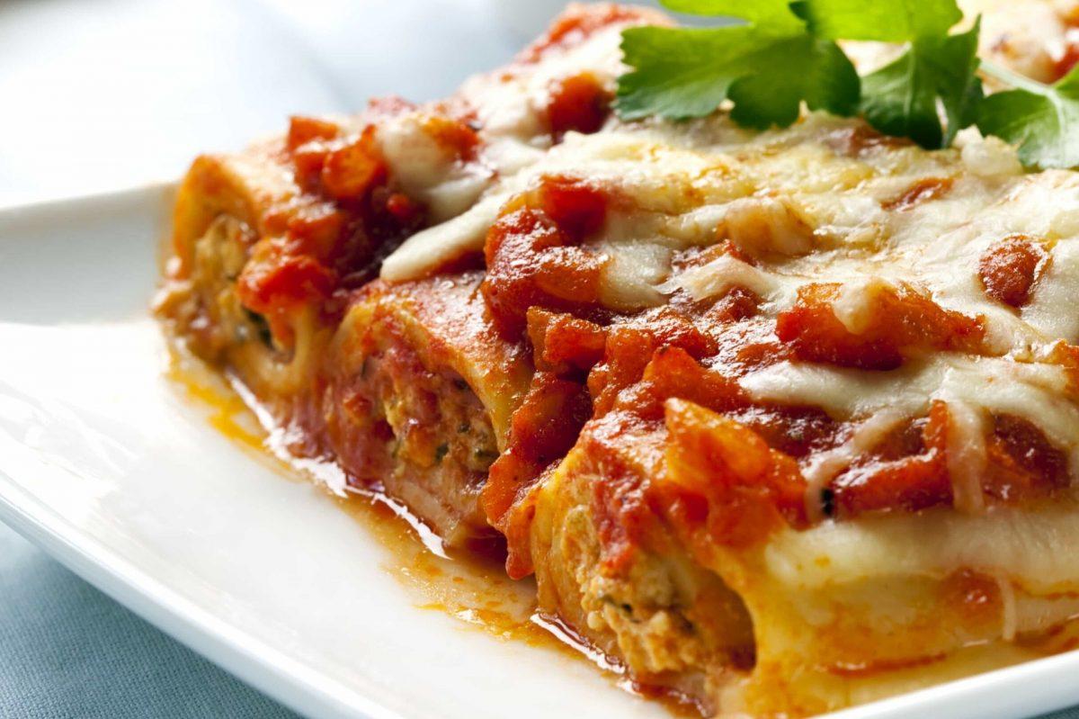 Rotoli di lasagne al forno