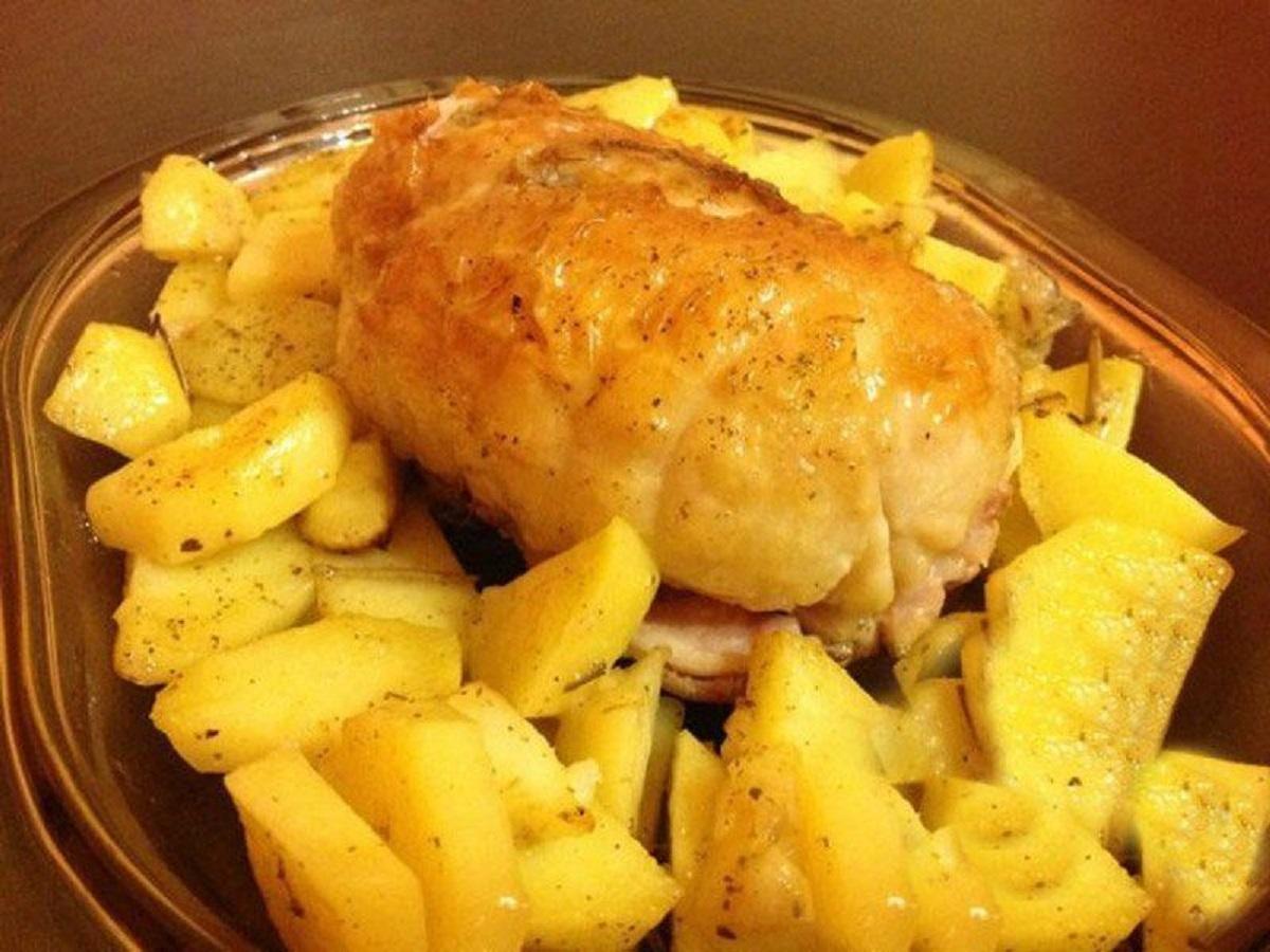 rotolo di pollo ripieno al forno con patate