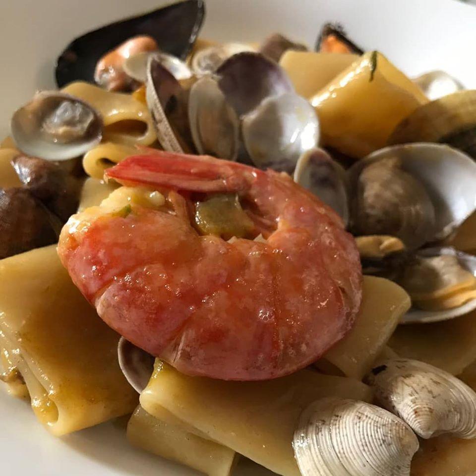 Calamarata ai frutti di mare e zucchine