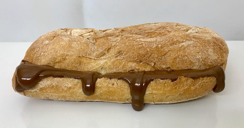 Panino con mozzarella e Nutella