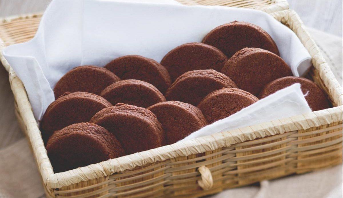 Pasta frolla al cioccolato per biscotti con bimby