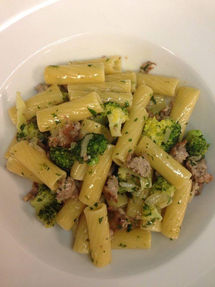 Rigatoni broccoli e salsiccia
