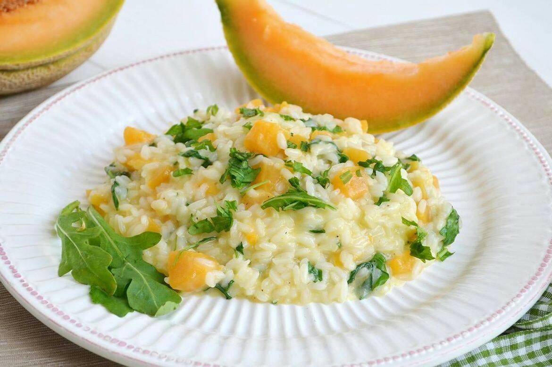 Risotto con gamberetti melone e rucola