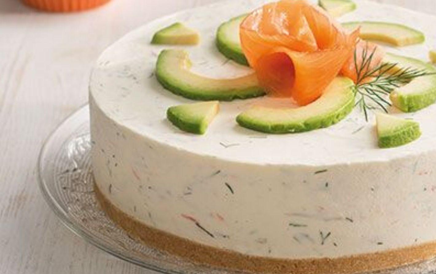 Cheesecake salata al salmone e avocado