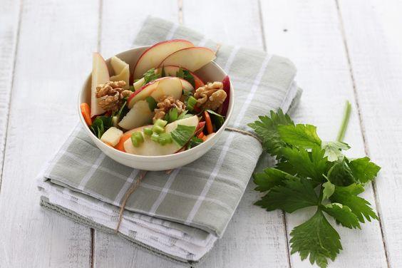 insalata di sedano carote mele e noci