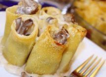 Paccheri ripieni con funghi e salsiccia: piatto rustico