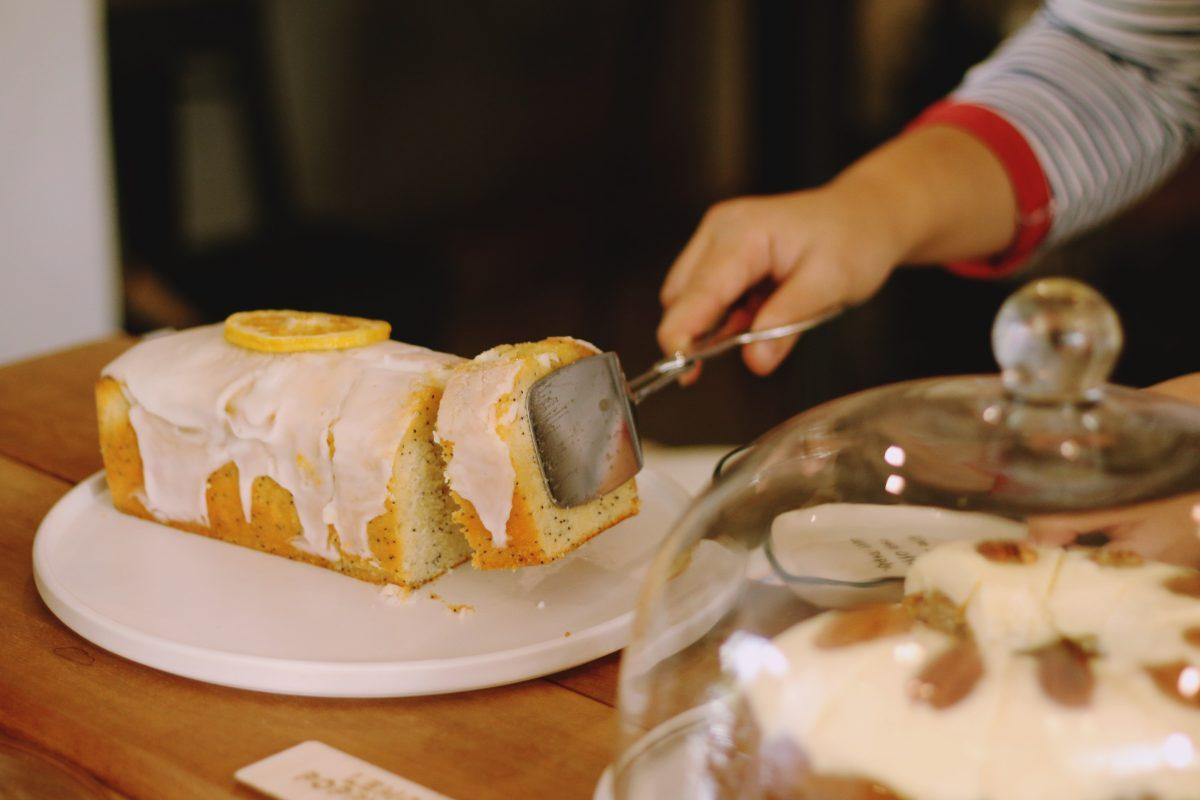 Plumcake senza lievito glassato agli agrumi
