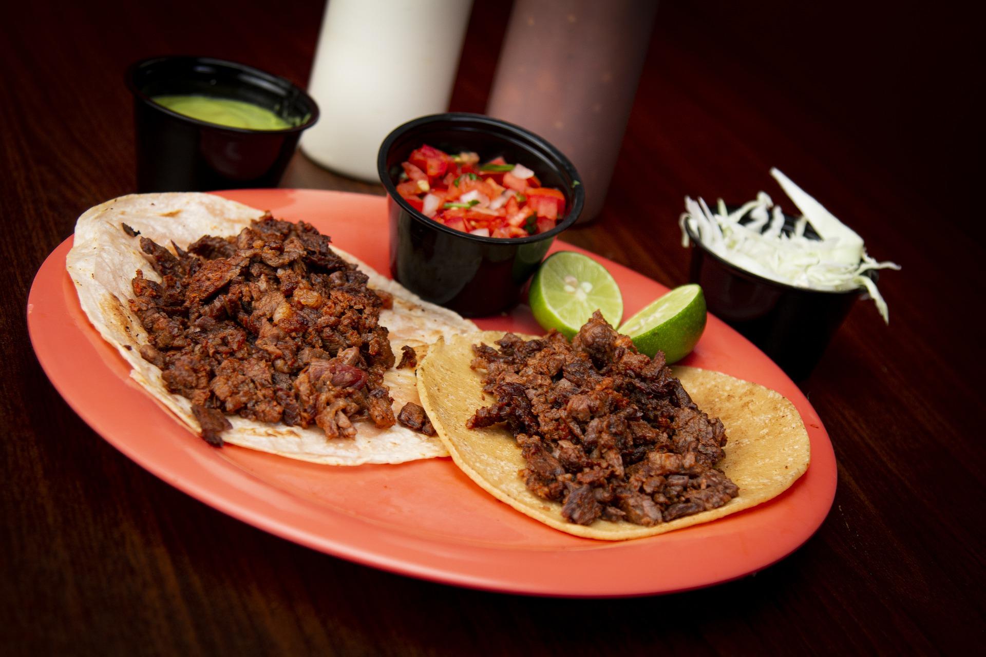 Tacos con chili ricetta