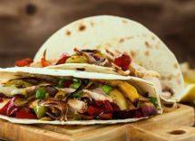 Tacos di pollo e peperoni