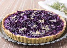 torta salata con cavolo viola