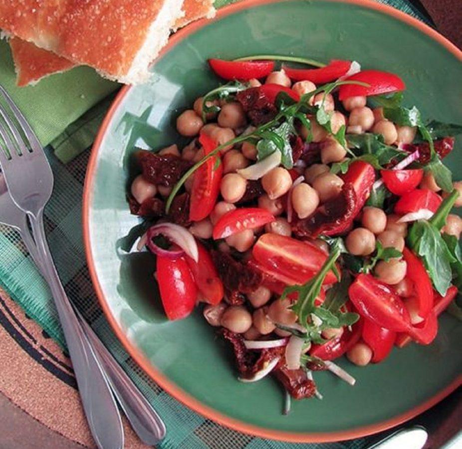 insalata di ceci e pomodorini secchi