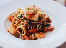 Pasta con calamari e carciofi ricetta