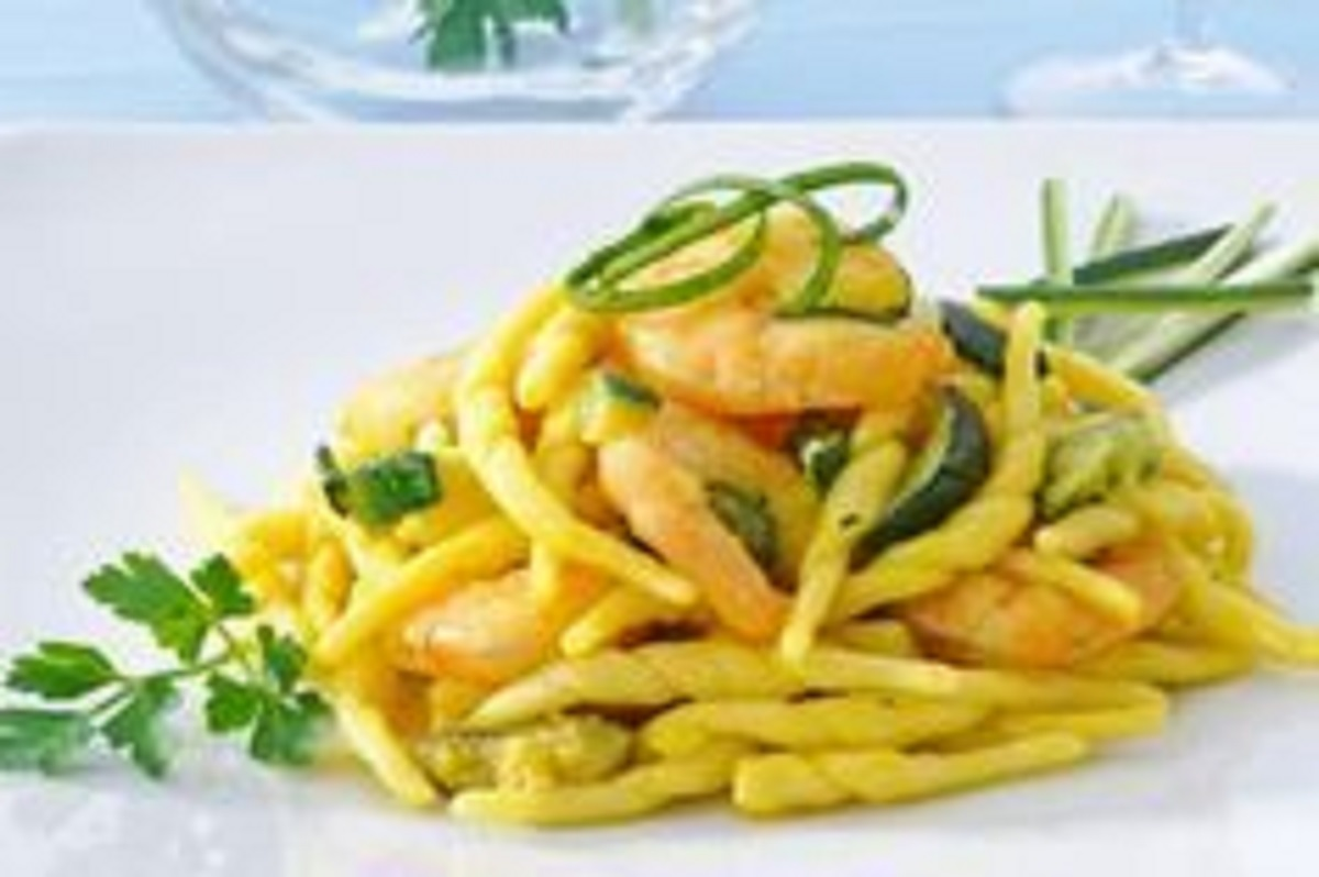 pasta con gamberetti e zucchine ricetta