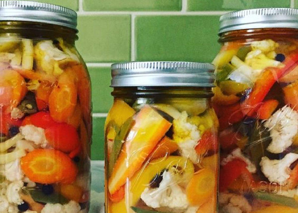 prodotti sottolio e giardiniera di verdure