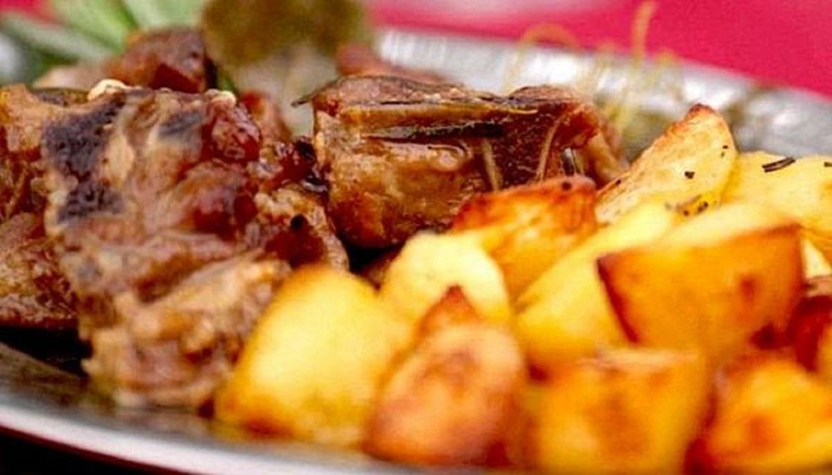 testa di abbacchio al forno con patate