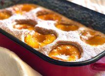 Torta di albicocche fresche e yogurt