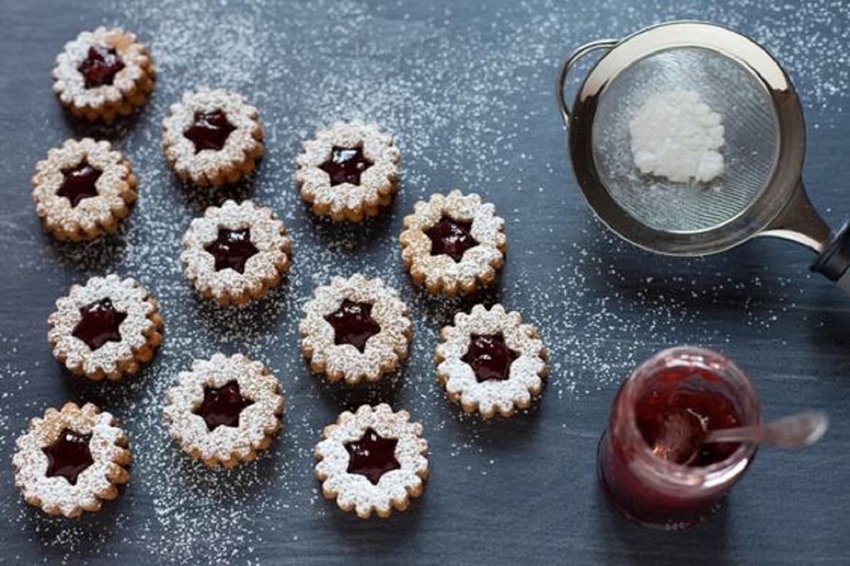 biscotti linzer con mandorle e marmellata