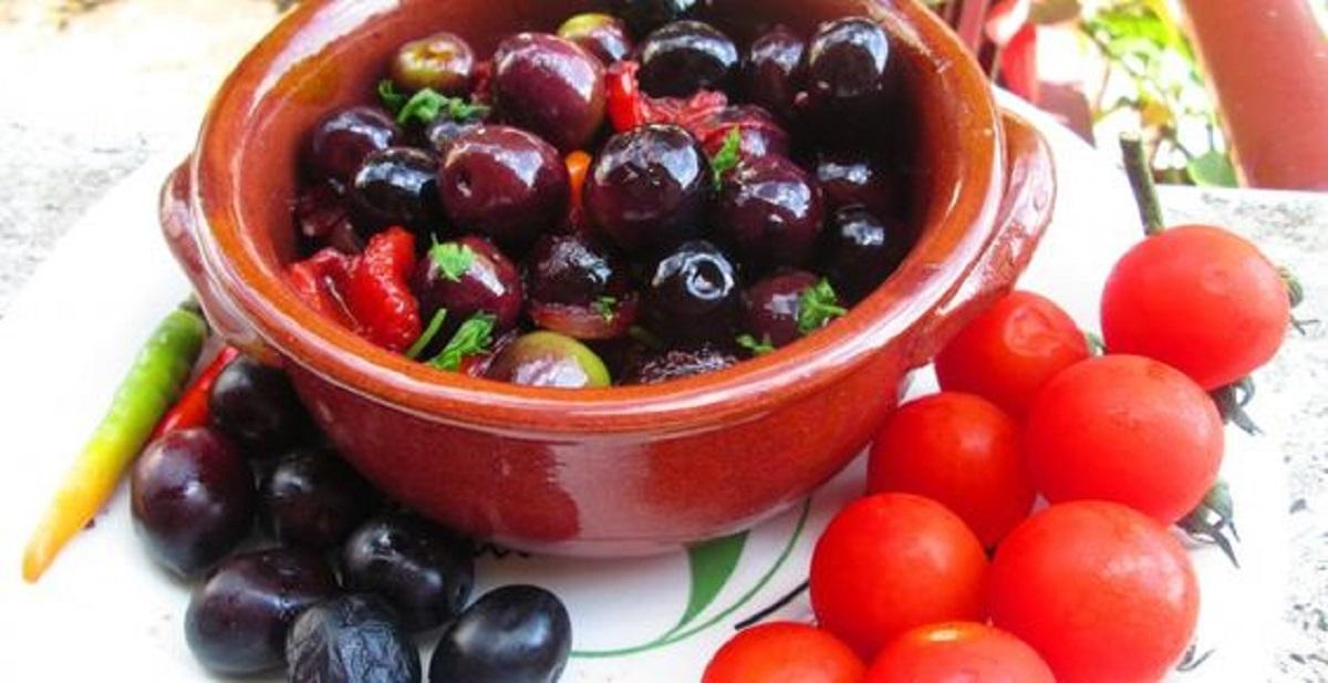 olive fritte pugliesi con pomodorini