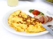 Omelette ricetta prosciutto e formaggio