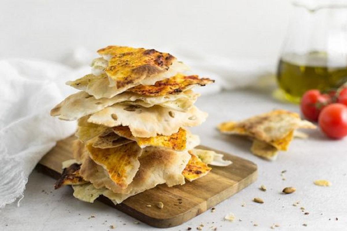 ricetta schiacciata croccante all'olio senza lievito