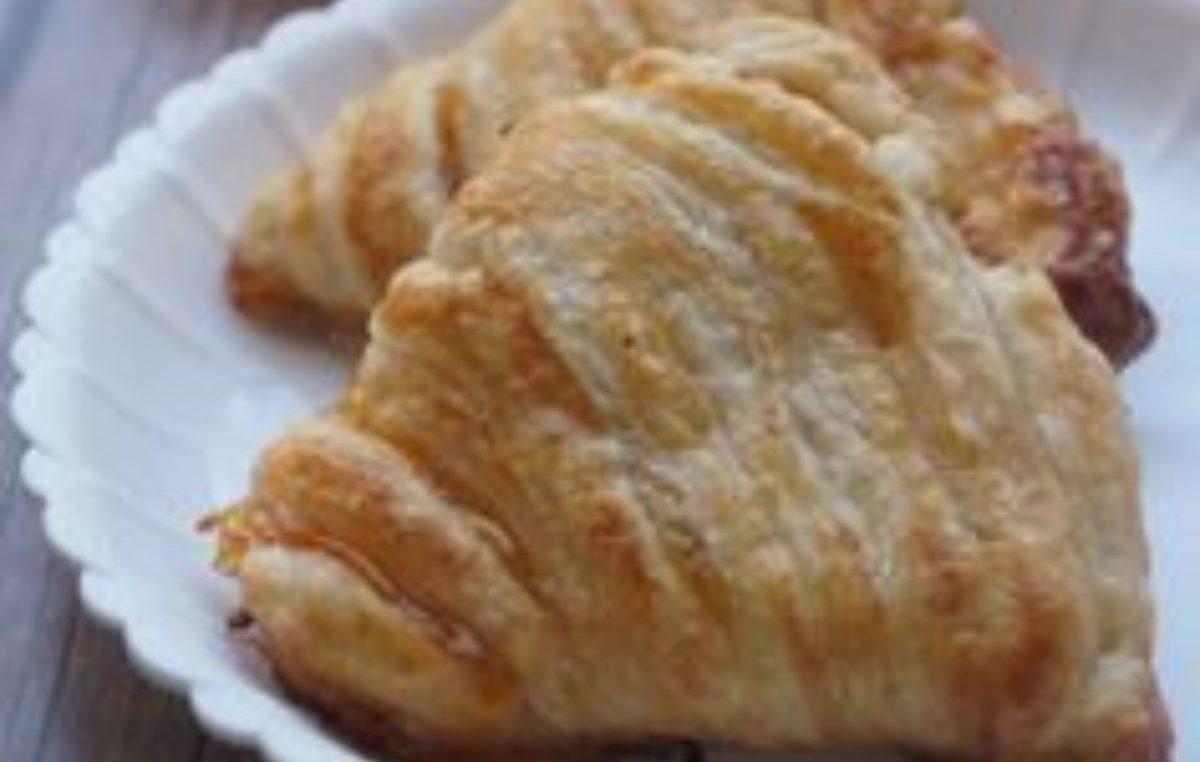 conchiglie di pasta sfoglia con marmellata