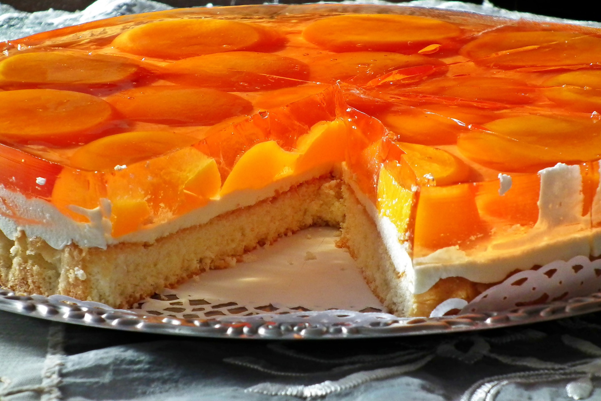 Cheesecake senza cottura alle pesche senza lattosio e senza glutine