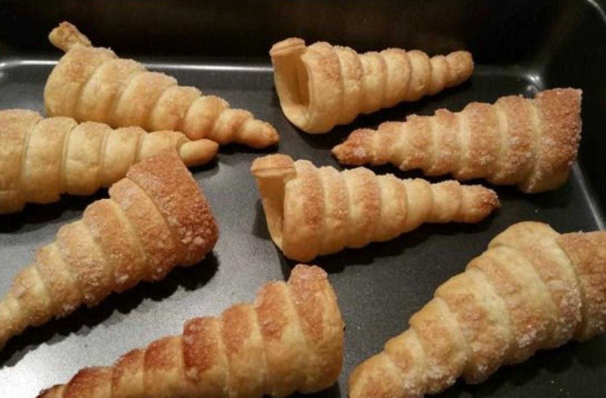 coni di pasta sfoglia dolci