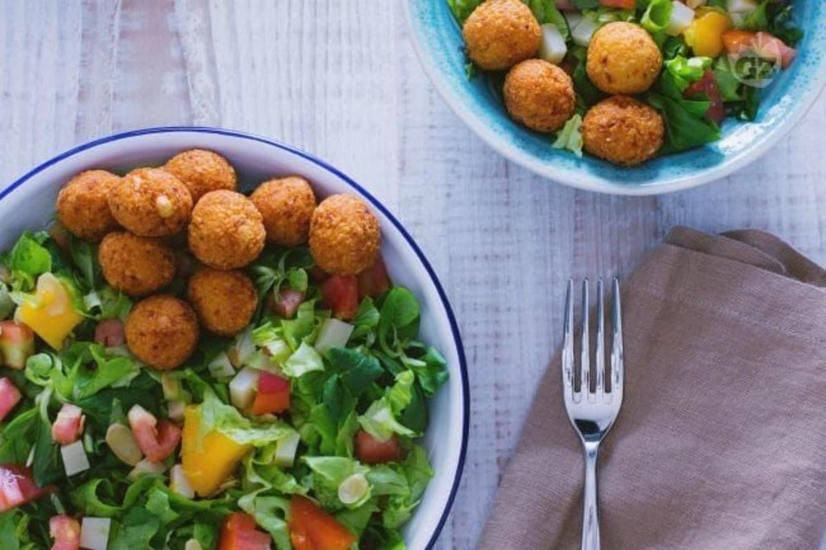 Polpette di ceci in insalata