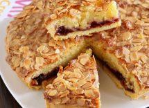 Crostata con crema frangipane e marmellata di fichi: dessert autunnale