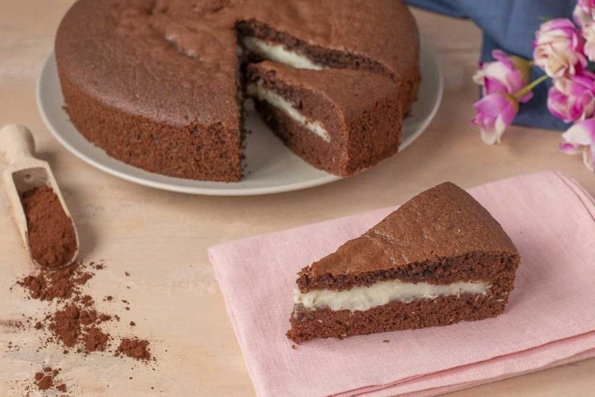 torta al cioccolato con cuore morbido al cocco