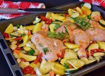 sovracosce di pollo al forno con peperoni e patate