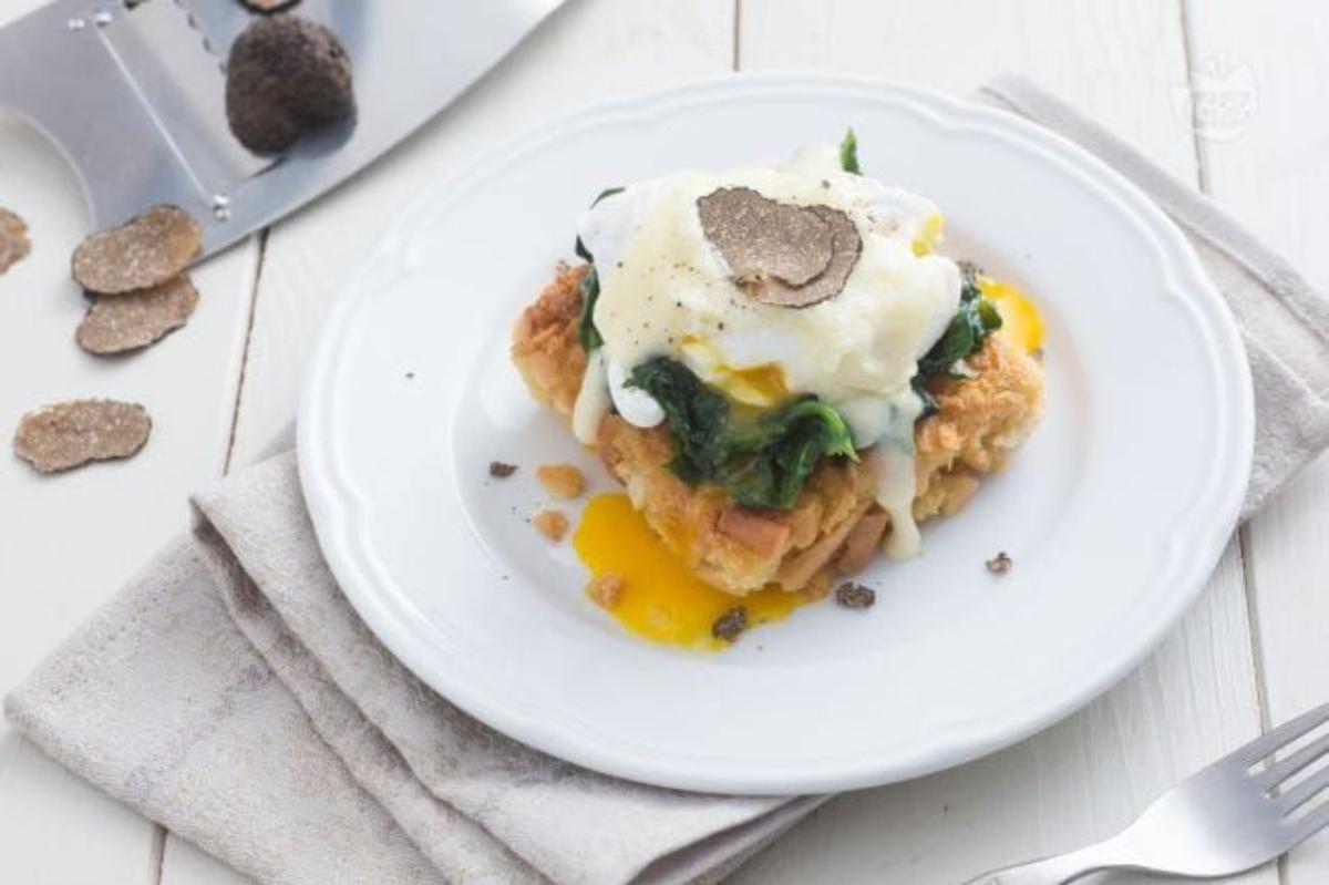 Uovo in camicia con fonduta e tartufo