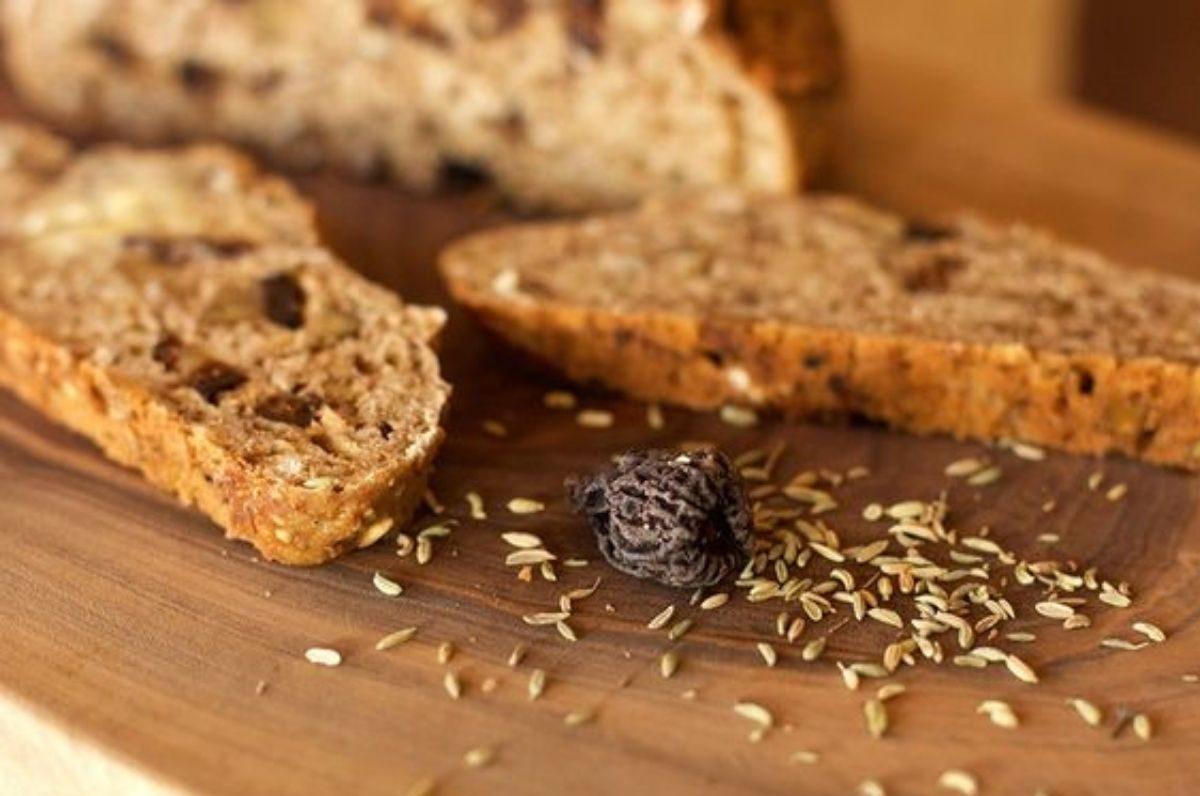 Pane con semi di finocchietto