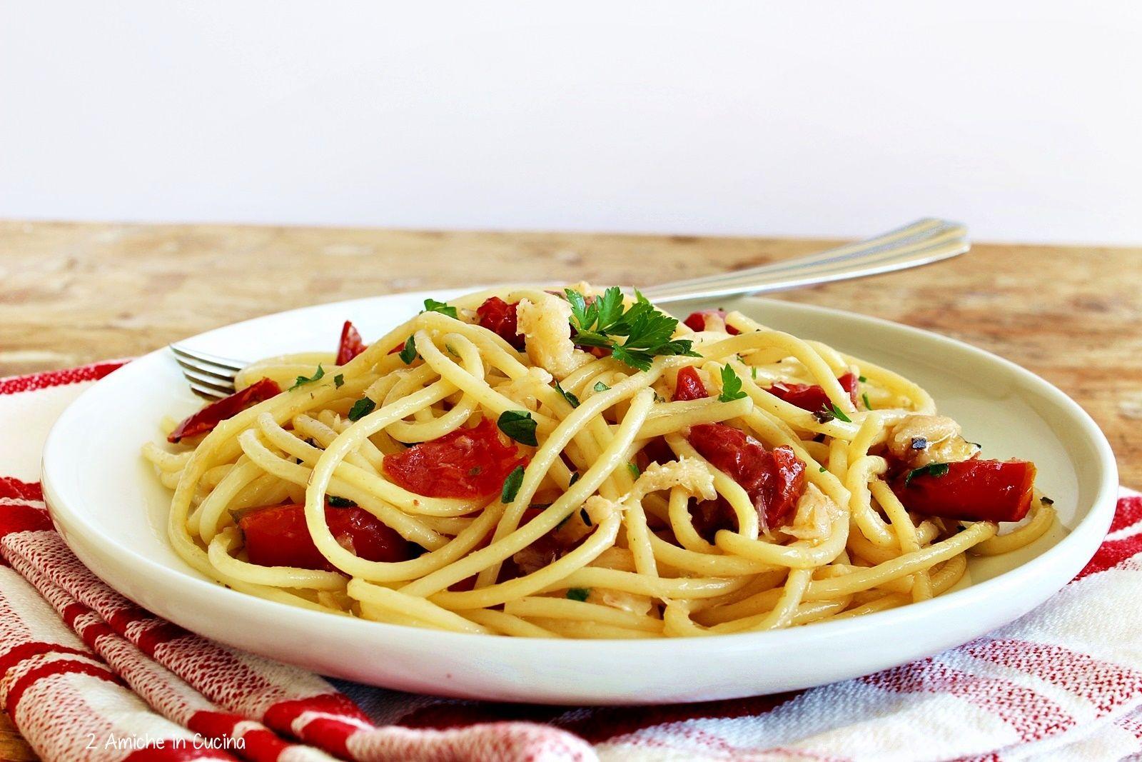 spaghetti al baccalà e pomodorini