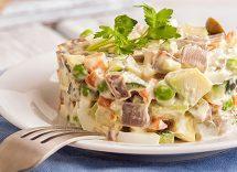 insalata russa con scampi e pancetta