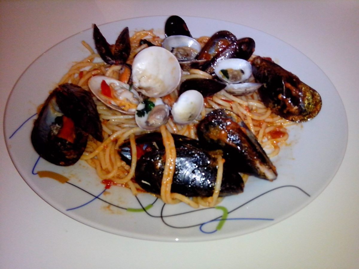 spaghetti cozze e vongole ricetta