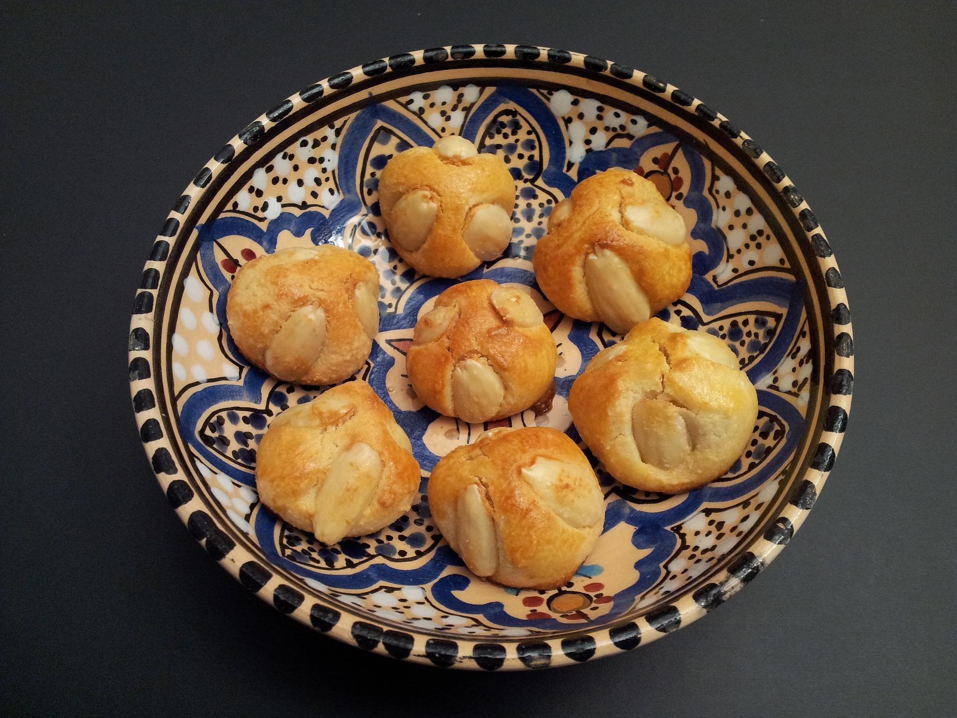 biscotti con albumi e mandorle senza zucchero